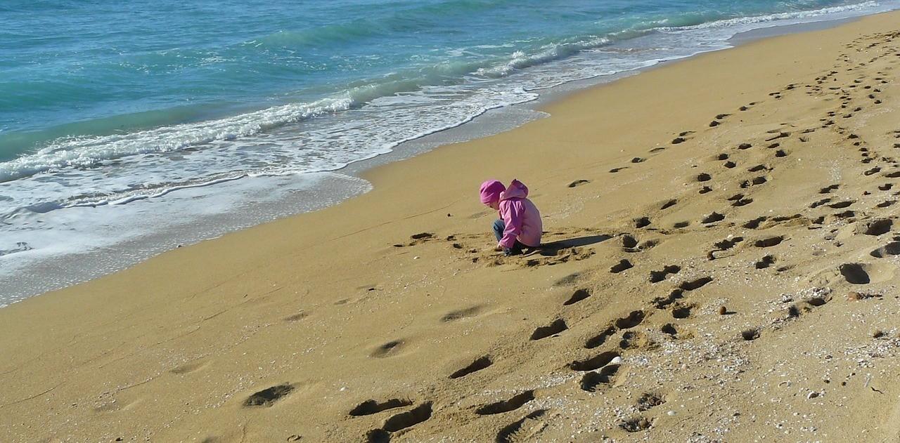 sand-beach-560855_1280.jpg